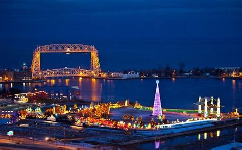holiday lights tour mn best places to see new year s eve fireworks and holiday