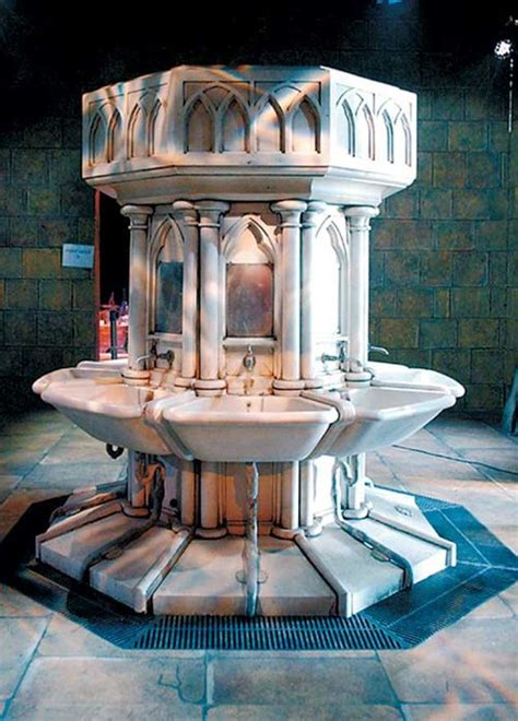 chamber of secrets bathroom the girls bathroom fountain hogwarts pinterest