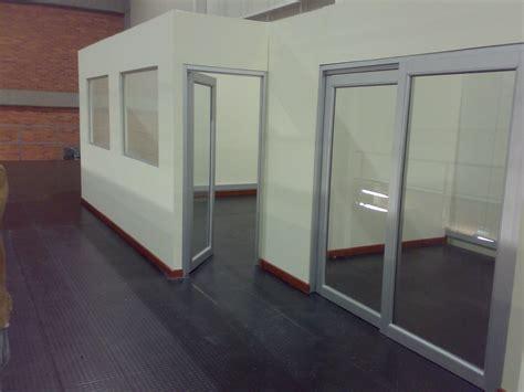 Paredes y Muros en Drywall - Diseño de Oficinas