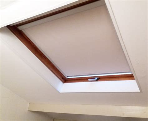 Montage Rideau Velux by Rideau Velux Simple Manomano Store Occultant Compatible