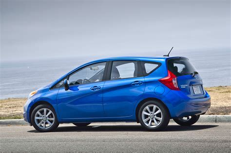 2014 nissan versa note sv rear three quarters photo 2