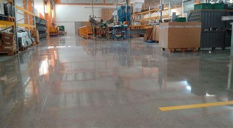 pavimento in cemento costi prezzo lucidatura cemento lucidatura levigatura