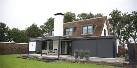 kunststof overkapping tuin stijlvol een lamellen overkapping voor terras of tuin