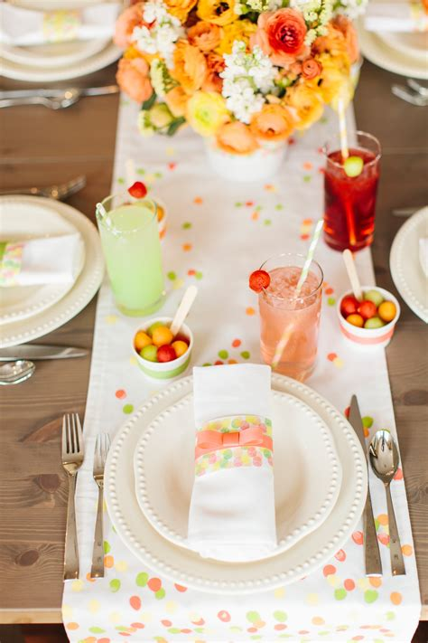 12 table settings for your day table
