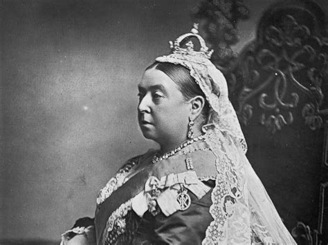 queen victoria biography in hindi queen victoria s unlikely bond with indian attendant made