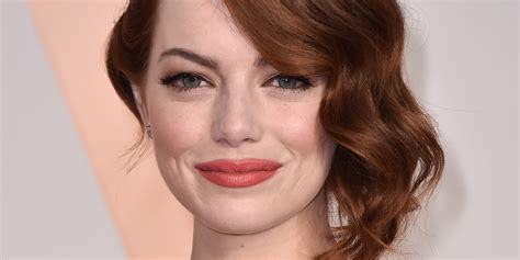 emma stone facebook emma stone brings her mom as her date to the oscars