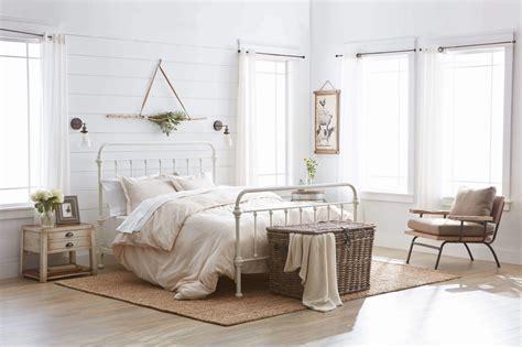 farmhouse design 2018 30 farmhouse decorating ideas trends in 2018 interior decorating colors interior decorating