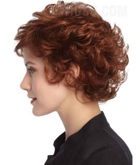 model rambut keriting wanita pendek gantung ikal