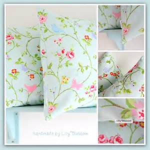 basic envelope pillow cover sewing guide by lillyblossom