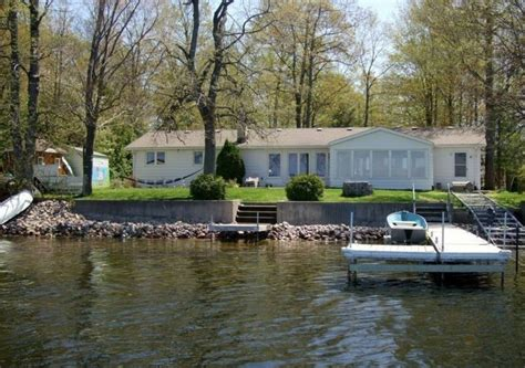 pigeon lake cottages pigeon lake vacation rental peterborough 4 br vacation cottage for rent in kawartha lakes