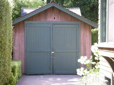 Packard Garage by 301 Moved Permanently