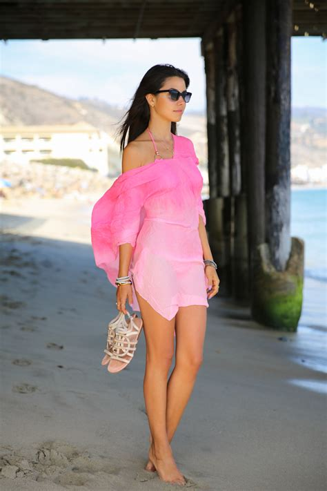 beach cover up outfit ideas glam radar what to wear on a beach vacation glam radar