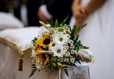 fiori estivi per matrimonio 8 fiori da bouquet per il matrimonio estivo garden4us