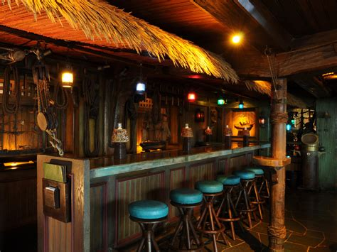 top bars in fort lauderdale meet the best tiki bar of summer 2017 coastal living