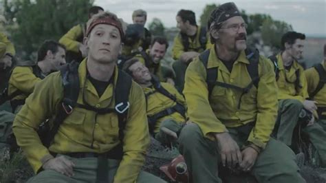 only the brave film trailer harrowing first trailer for josh brolin and miles teller