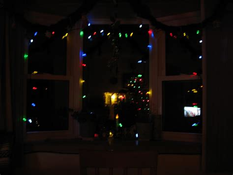 what color christmas lights will you be using on your tree