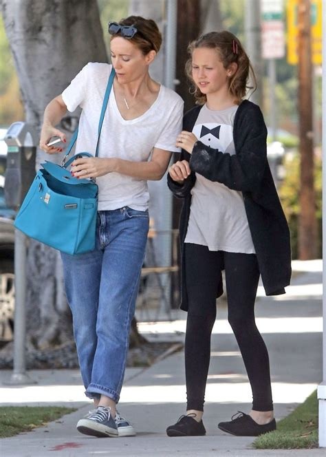 leslie mann daughter actress leslie mann daughter iris out for lunch in west