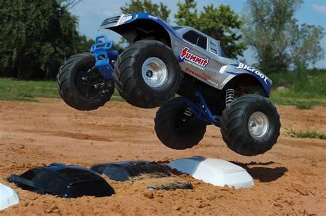bigfoot summit monster truck traxxas bigfoot original monster truck summit silver rtr