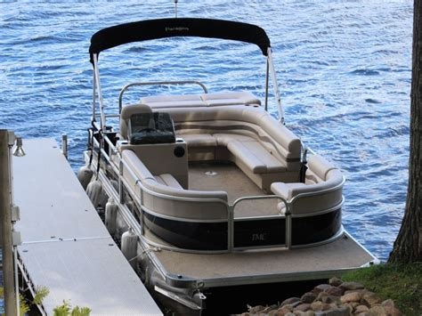 small pontoon boats mn tmc inc pontoons boats wisconsin minnesota