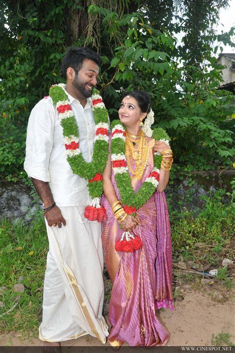 Pics Wedding by Saranya Mohan Wedding Pics 53