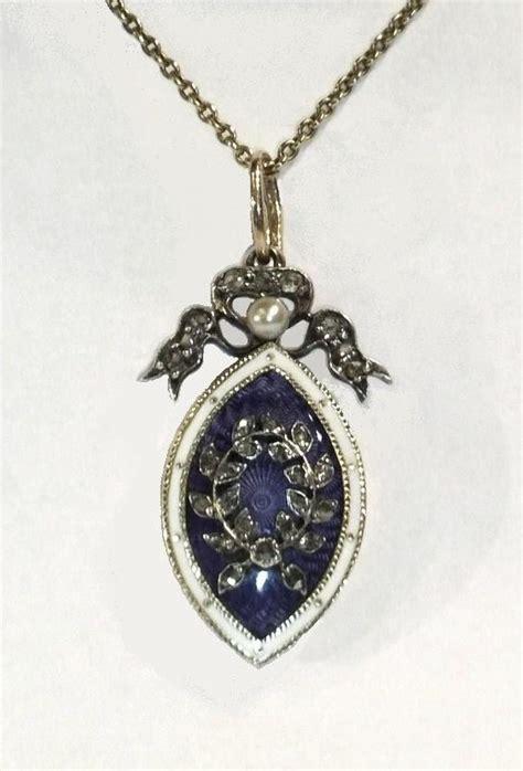 enamel pendant in wedding jewellery
