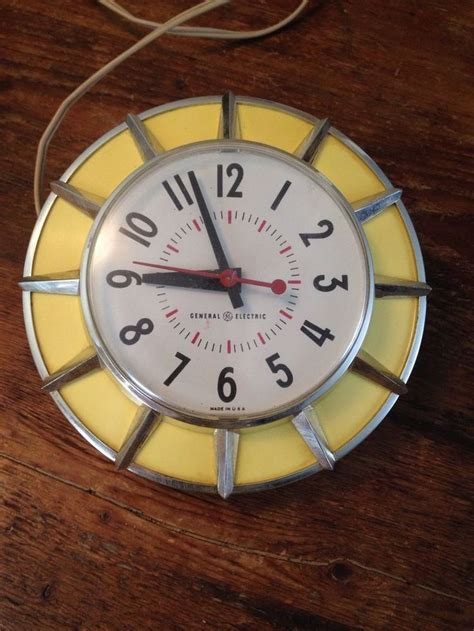 yellow kitchen clock 1000 images about vtg kitchen clocks on