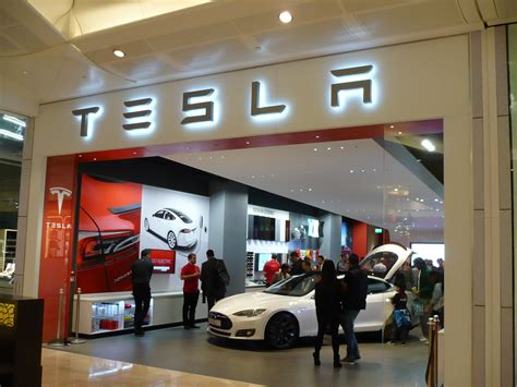 Tesla Dealership Dallas Tesla Wins Support From Ftc Heads To Sell Directly To