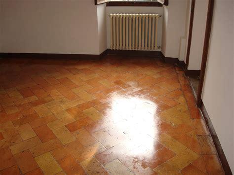 trattamento pavimento in cotto pulizia e trattamento pavimenti tiberina servizi