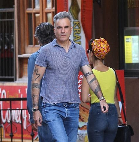 daniel day lewis has sleeves celebrity tattoo designs
