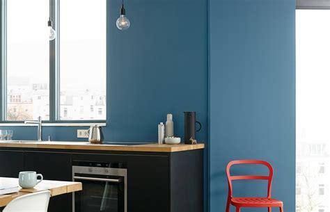 premium wandfarbe blau azurblau alpina feine farben