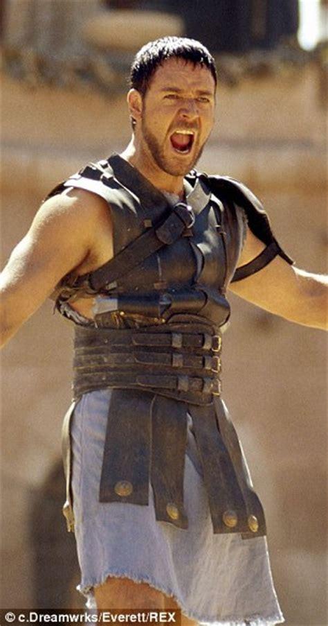 gladiator new film gerard butler dons roman skirt to film gods of egypt