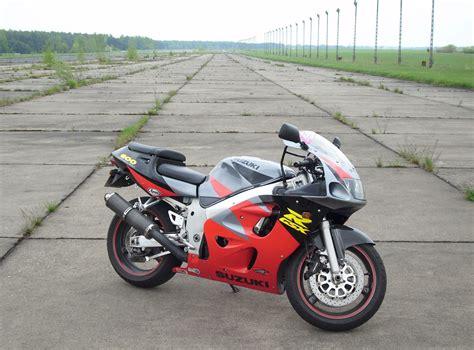 06 Suzuki Gsxr 600 Specs 1997 Suzuki Gsx R 600 Pics Specs And Information
