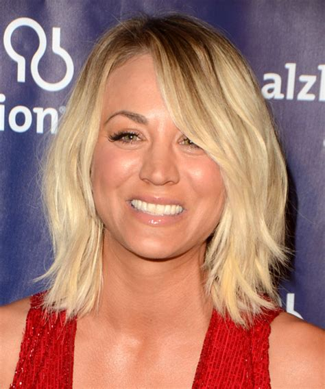 kaley cuoco hair type kaley cuoco medium straight casual bob hairstyle with side