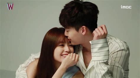 film lee jong suk dan rain drama korea w lee jong suk dapat penghargaan dari