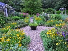 Cottage Garden Nursery - a year in the garden stella