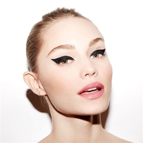 Eyeliner Di Indo trucco con eyeliner nero mb18 187 regardsdefemmes