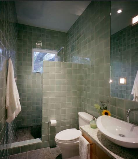 kind   hooked   door showers  cr showers