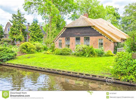 giardini olandesi e giardini olandesi tipici in giethoorn immagine