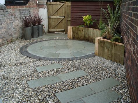 Small Paved Garden Ideas Glyn S And Jackis Courtyards Angie Barker Trading As Garden Design For All Seasons