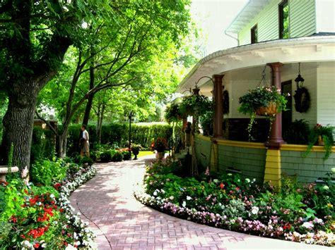 modern luxury homes beautiful garden designs also house