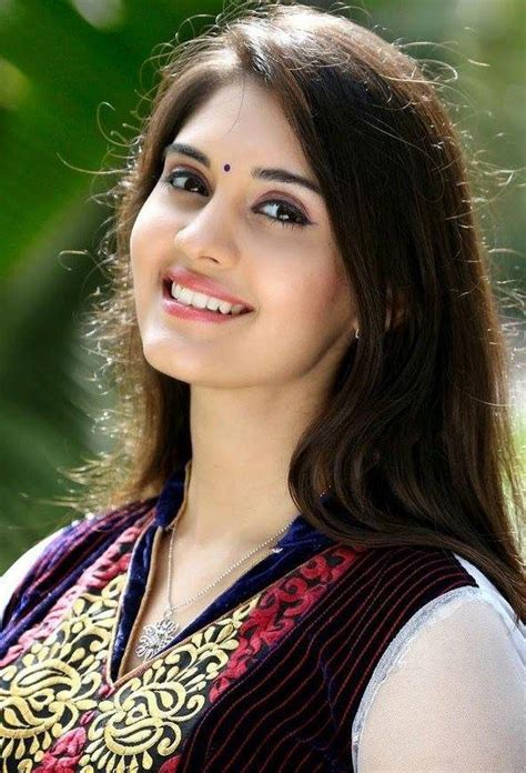 film actress girl image actress surabhi cute smiling face closeup pictures photos