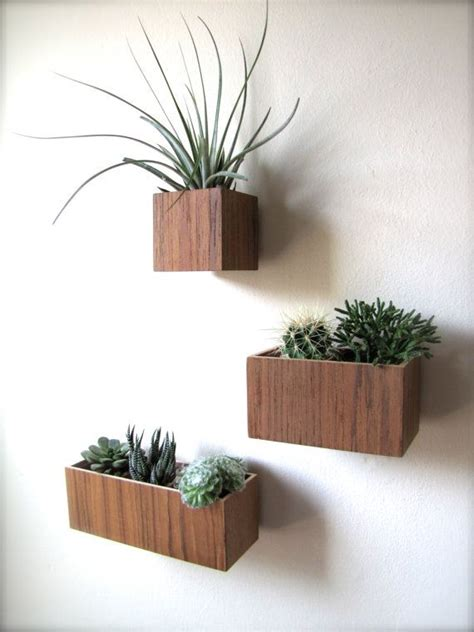 17 best ideas about hanging planters on pinterest best 25 wall mounted planters ideas on pinterest garden