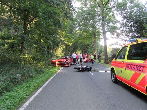 Motorrad Suzuki Hameln by Pol Hm Schwerer Verkehrsunfall Zwischen Motorrad Und