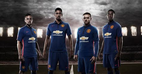 manchester united 3rd kit mirror