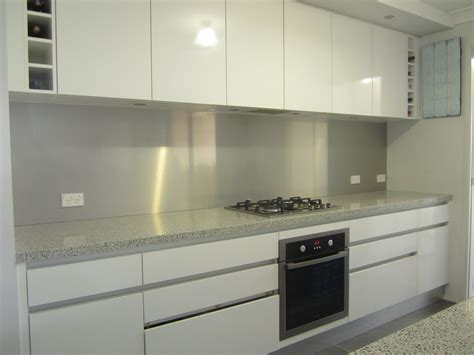 laminex kitchen ideas we a laminex metaline splashback colour brushed