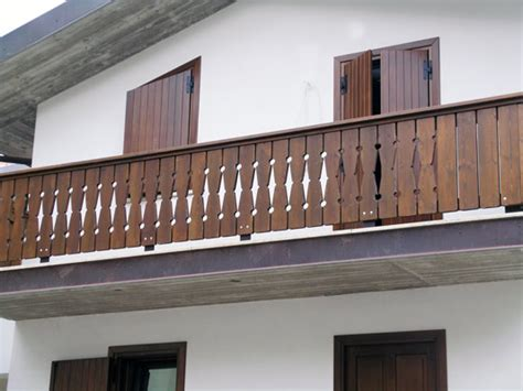 corrimano in legno per esterni corrimano in legno per esterni balaustra per esterno in