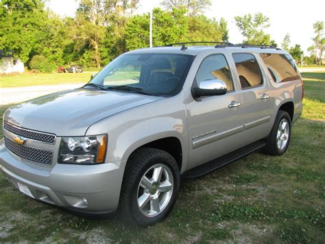 Expedition 6636 Silver White Nw64 2008 chevrolet suburban 1500 for sale in cambridge ia
