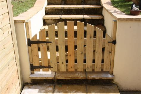 kennel and gate set the wooden workshop oakford devon