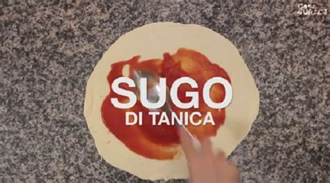 come si fa la pizza in casa insegniamo al mondo come si fa la pizza il di casa