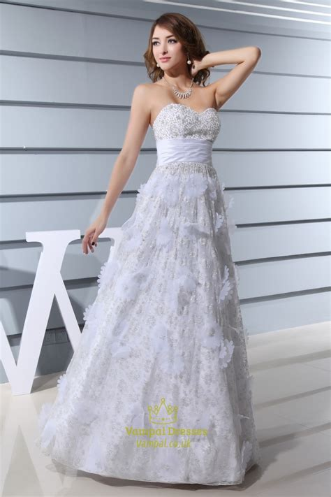 a line strapless wedding dress sweetheart
